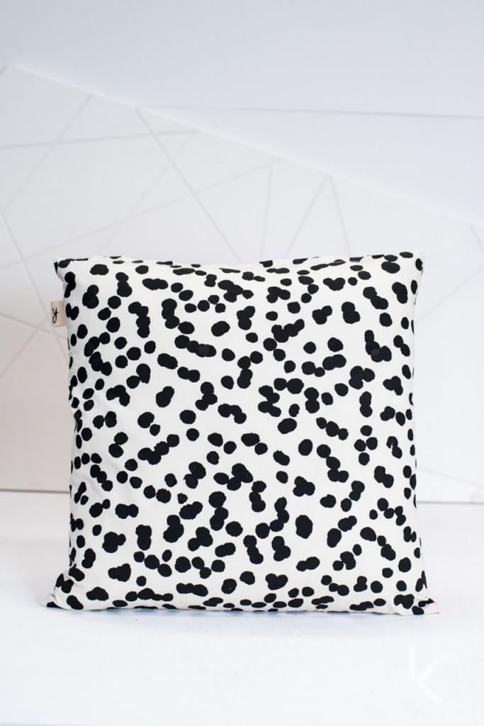 koskela online store - polka dot cushion