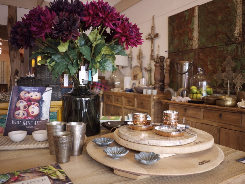 Few and Far - Costal Tableware and Flowers