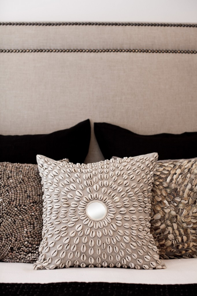 African Decor - Bedhead and Cushions