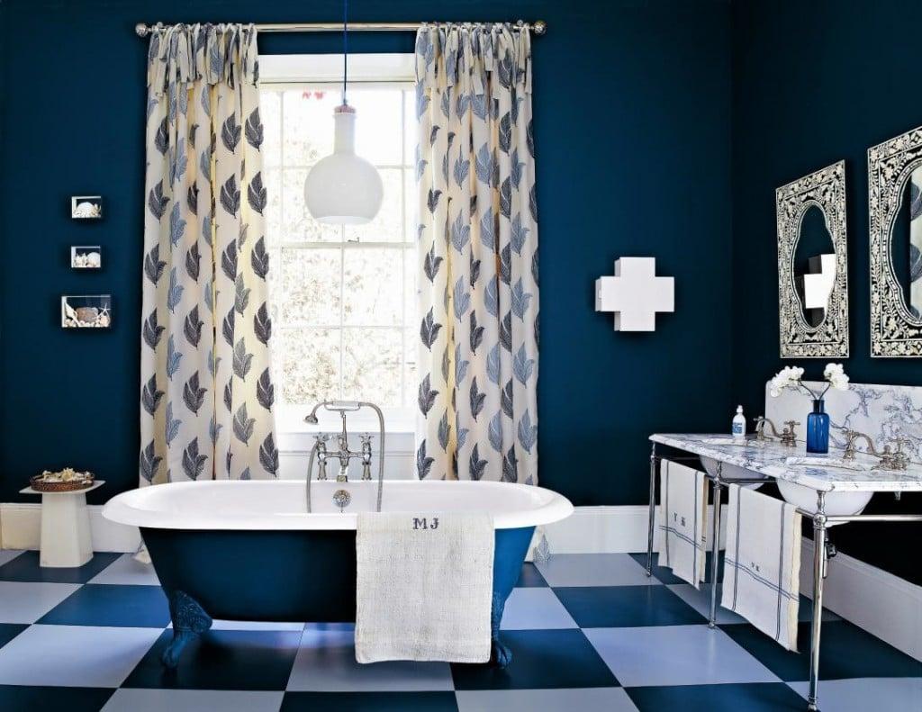 Indigo Blue Coloured Bathroom - Dark Walls and Tub