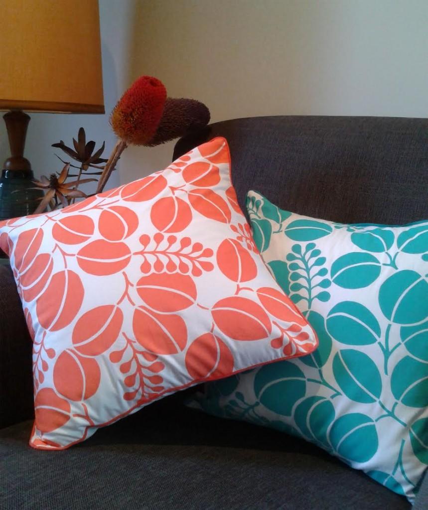 Shakiraaz cushions - Floral pattern