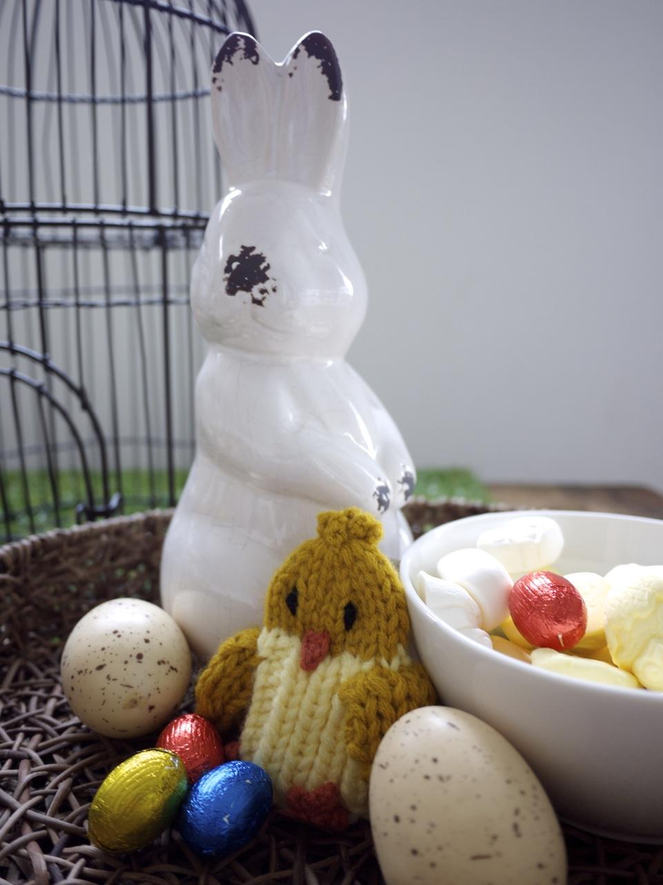 Easter Table Setting Eggs