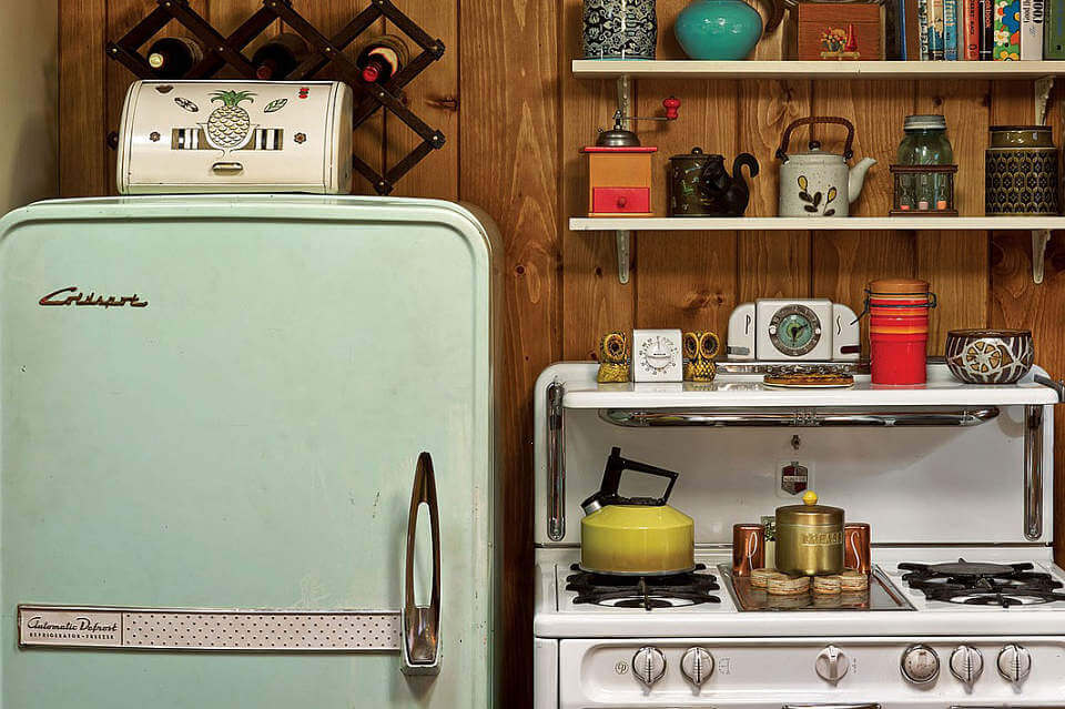 Mad Men Set - Open Kitchen Display