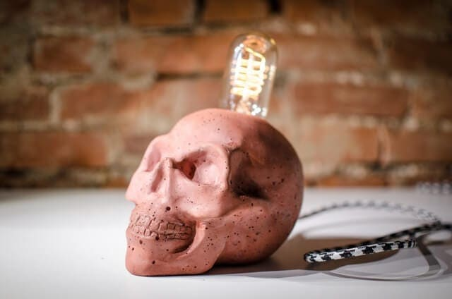 Red Concrete Skull Lamps