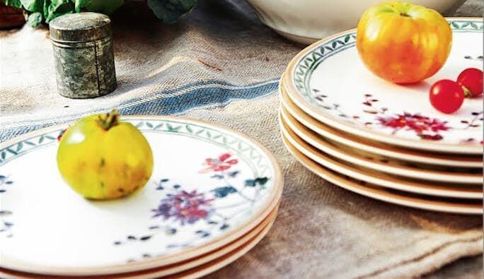 New French Country Dinnerware. Oui!