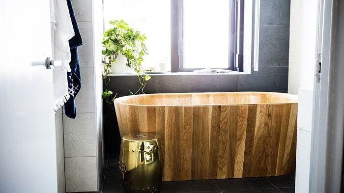 Shannon and Simon's Ensuite - The Block