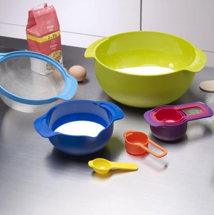 Colourful Mixing Bowls and Measuring Cups - Yellow Octopus