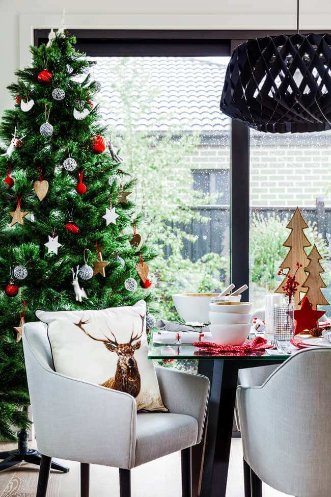 Christmas Table Setting Ideas - Scandi Table Styling