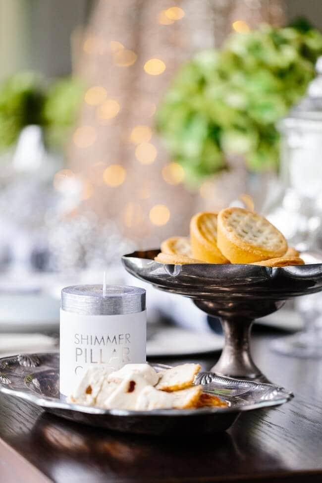 Christmas Table Settings - Modern French