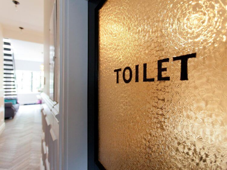Genevieve Gorder's Apartment in New York - Bathroom Door