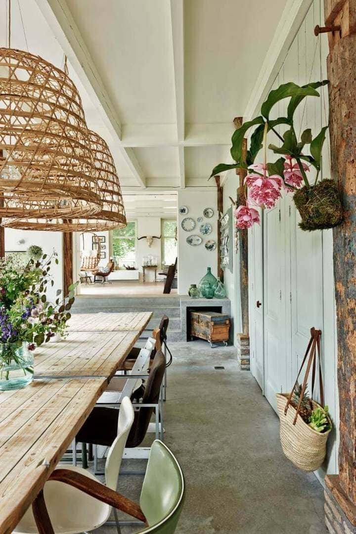 Country Kitchrn Design - Rustic Dining Room