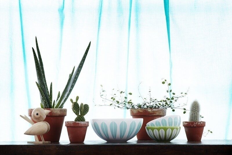 Scandinavian Design - Lotus Bowls and Wooden animals from Urbaani