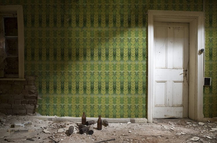 Green Wallpaper Design from Kingdom Home
