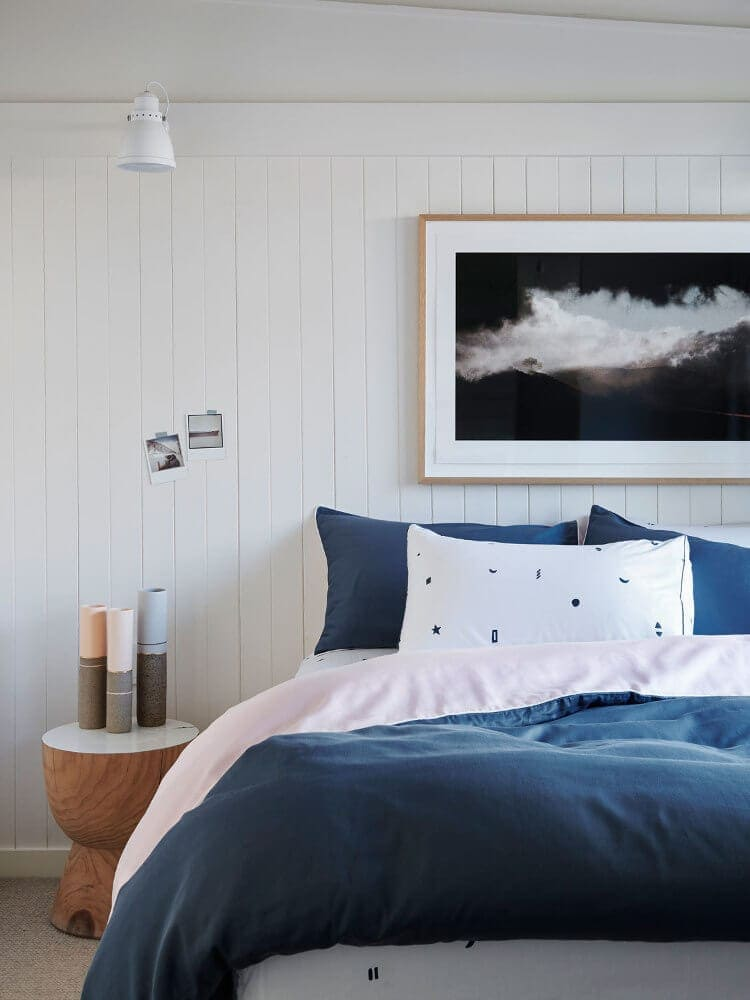 Costal Bedroom Ideas - Blue and White Bedroom Decorating