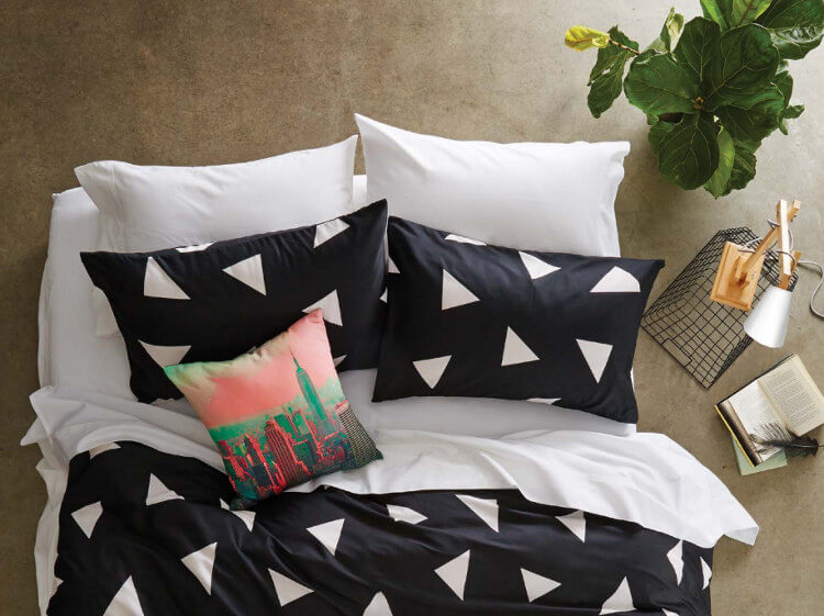 Kmart homewares - Kmart triangle print bedding set in black and white