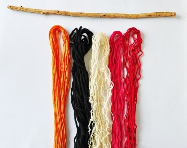 Wool Wall Hanging Step2 - pic 2