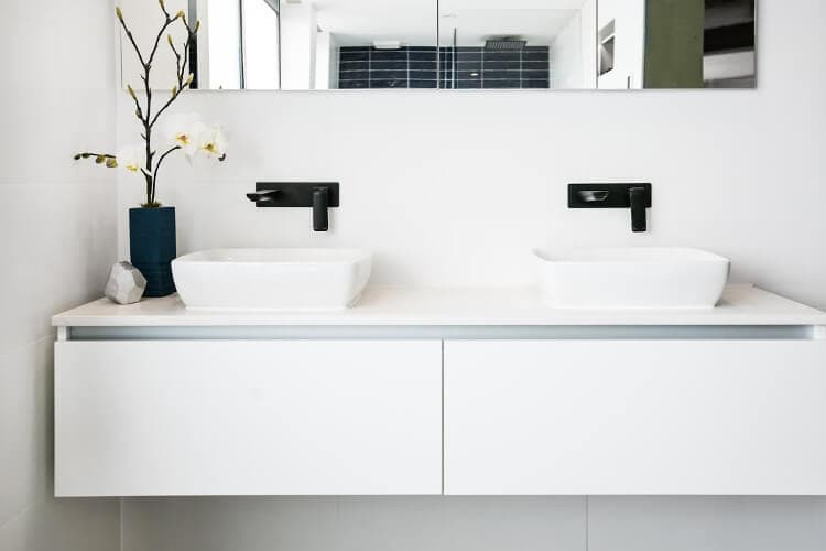 The Blocktagon Bathroom Reveals - Luke and Ebony Bathroom 2