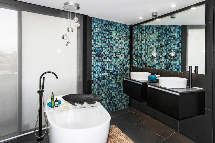 The Blocktagon Bathroom Reveals Suzi and Vonni Bathroom 1