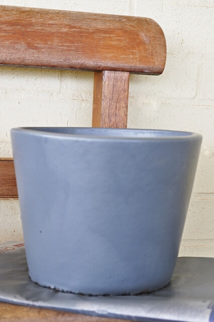 Spray Painting Pot Project Step 1 on The Life Creative blog