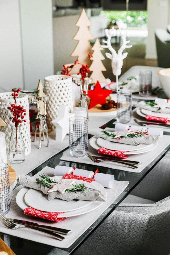 Scandinavian Christmas Table Setting Ideas on The Life Creative