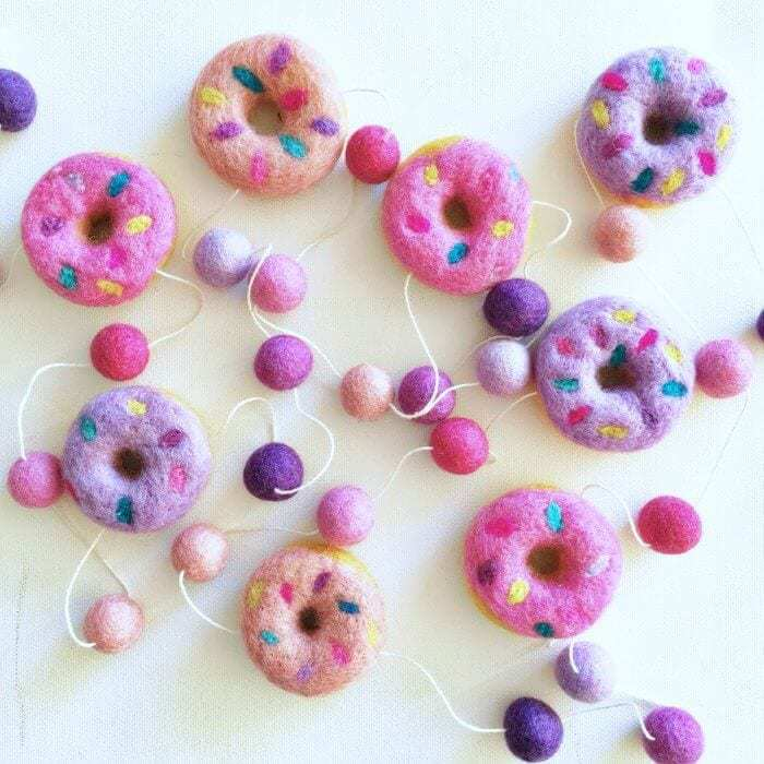Felt_Donut_Garland_by_Little_Puddles_in_Berry_Smoothie_in_The_Life_Creative_Shop_1024x1024