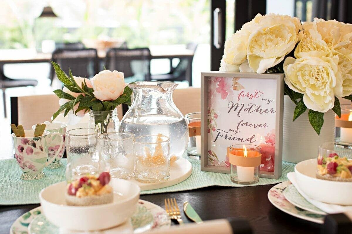 Mothers Day Table Setting Ideas Floral table setting The Life Creative