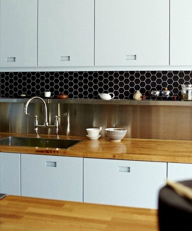 Kitchen With Black Tiles: Kitchen Tiles: 5 Splashback Ideas Plus Expert Tips