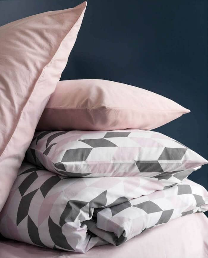 Pink and Grey Pattern Bedding with Flat Soft Pink Pillow Cases Pink Bedrooms