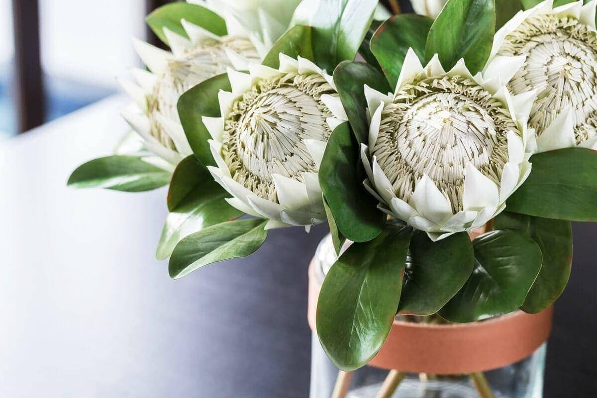 artificial-flowers-from-the-metricon-somerset-display-home
