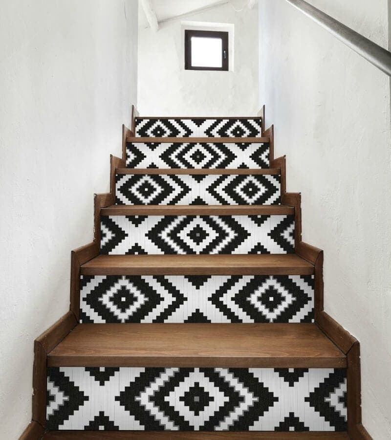 geometric-pattern-on-staircase-in-black-and-white