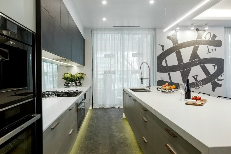 the-block-2016-and-and-ben-kitchen-with-dark-floor