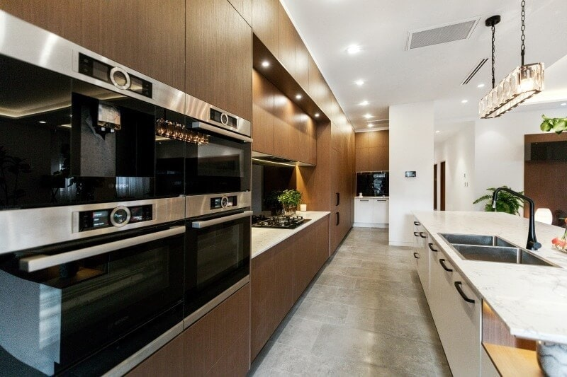 the-block-2016-dan-and-carleen-kitchen-dual-oven