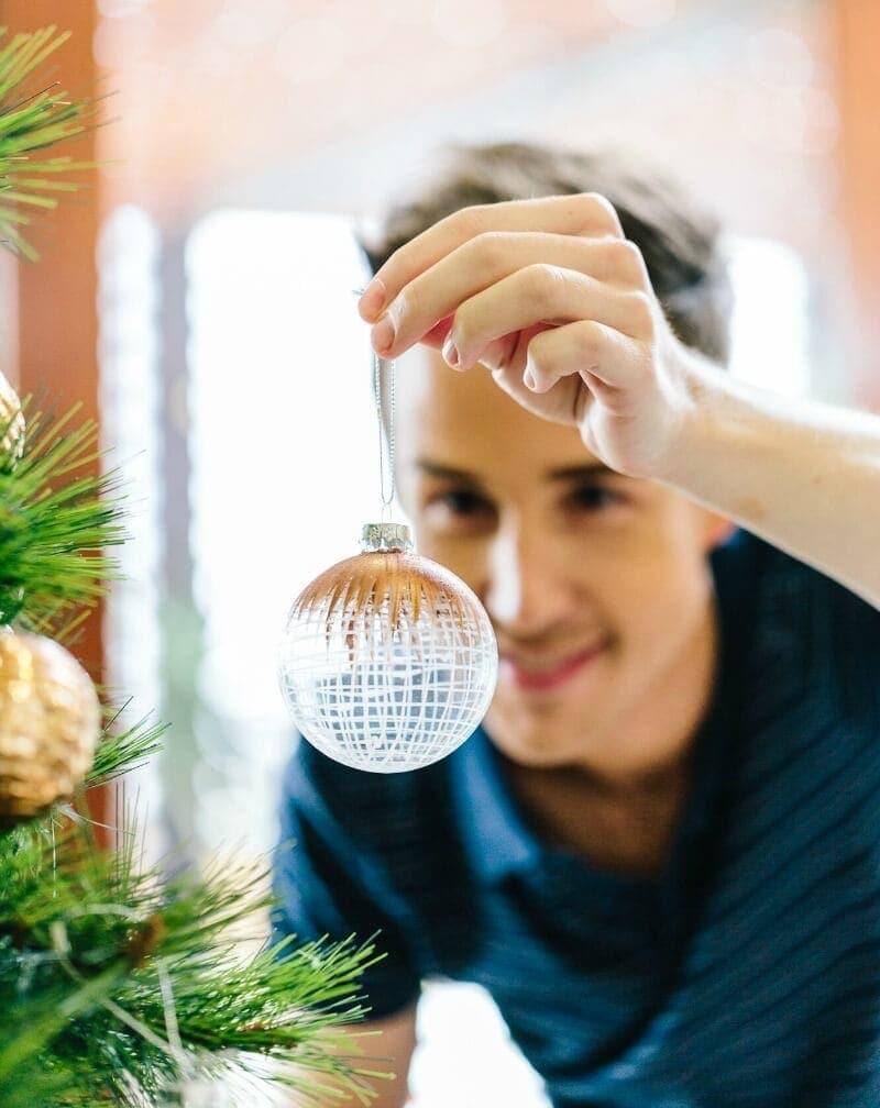 chris-carroll-the-life-creative-christmas-table-setting