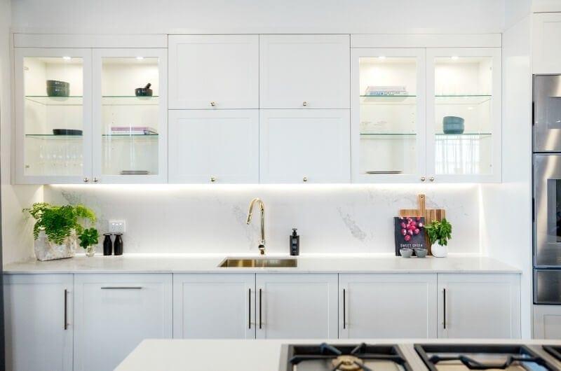 the-block-2016-julia-and-sasha-white-kitchen-with-gold-taps-and-marble-backsplash