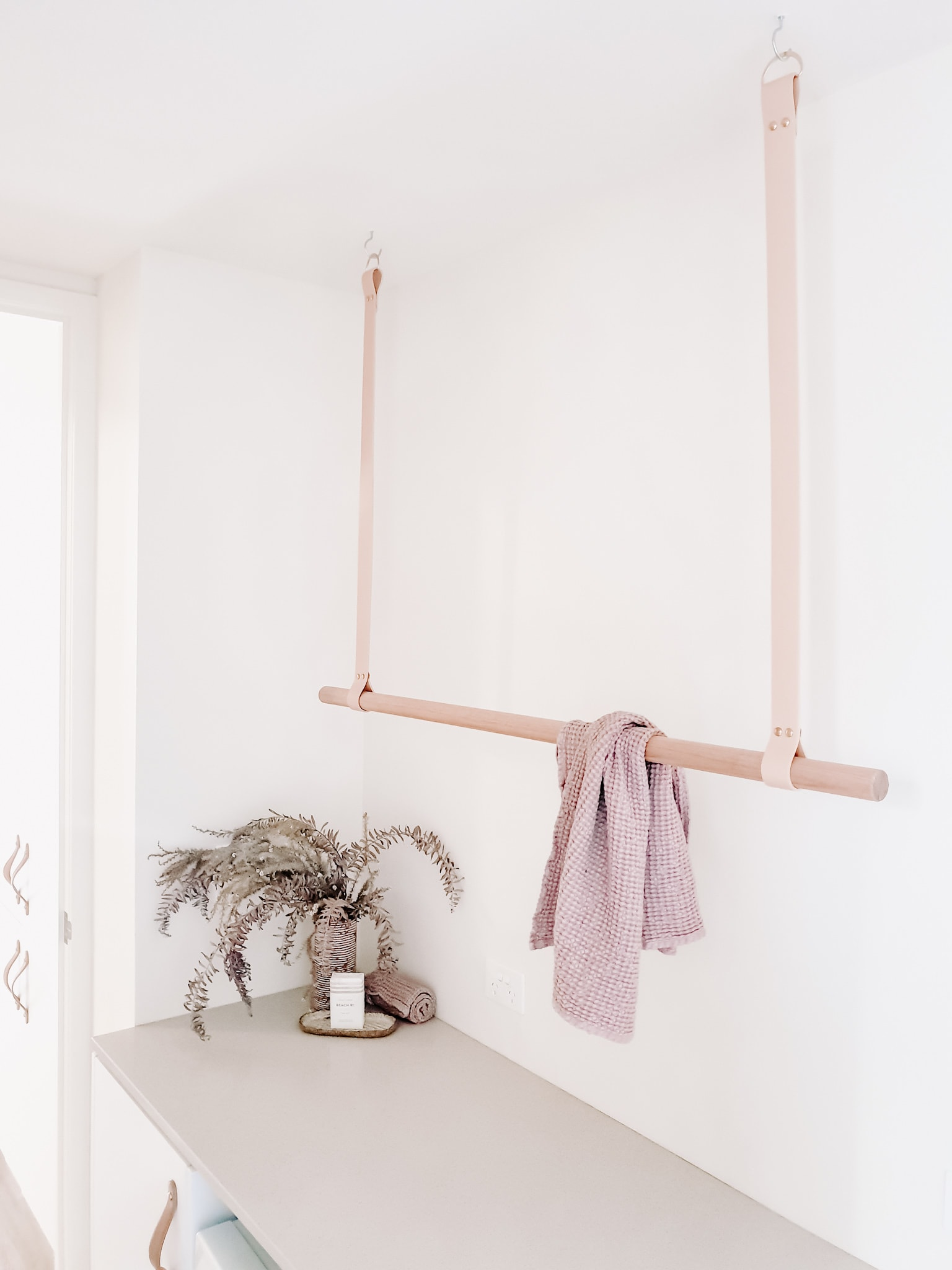 leather strap clothes drying hanger for laundry room