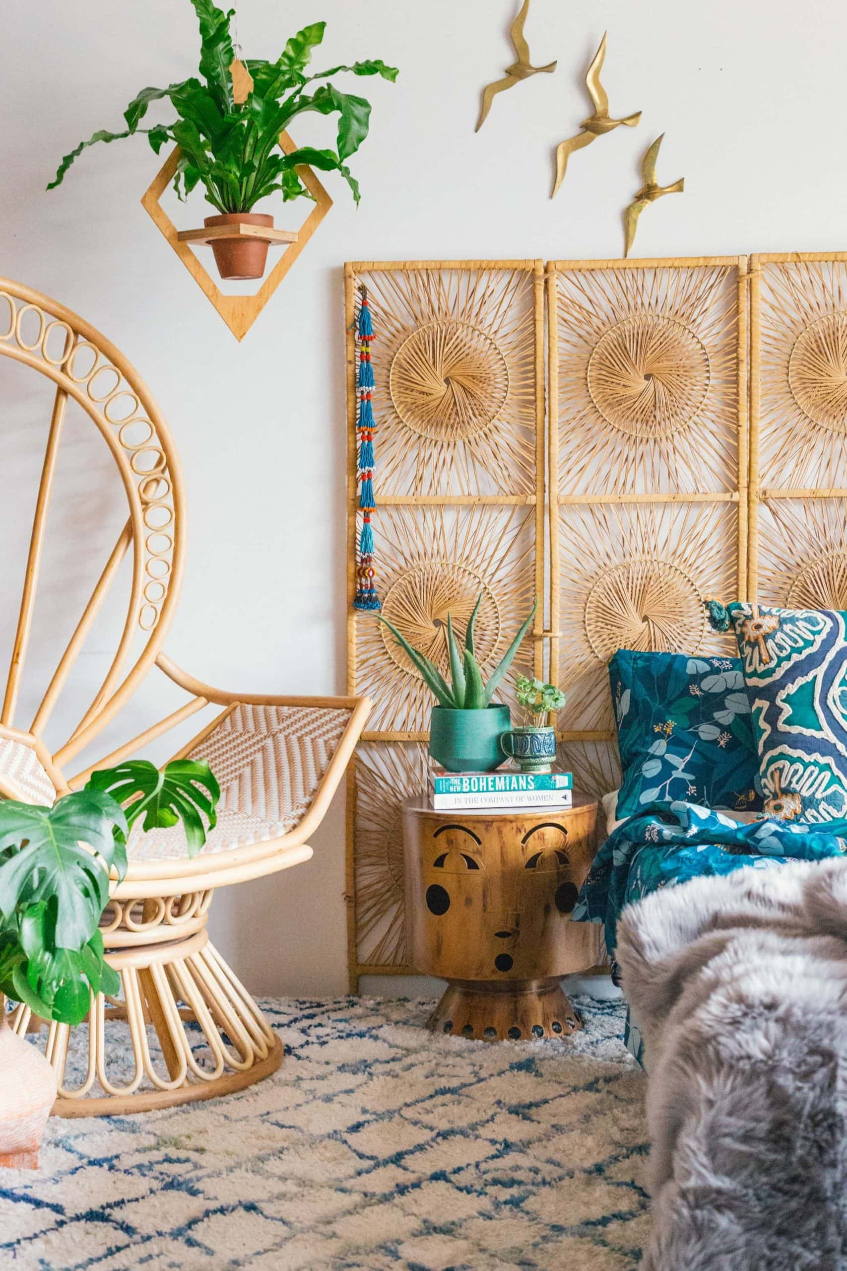 boho screen as headboard in boho bedroom with bamboo screen art