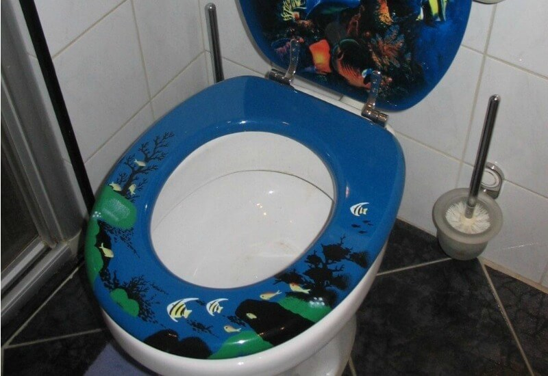ugly decor toilet seat cover with aquatic design