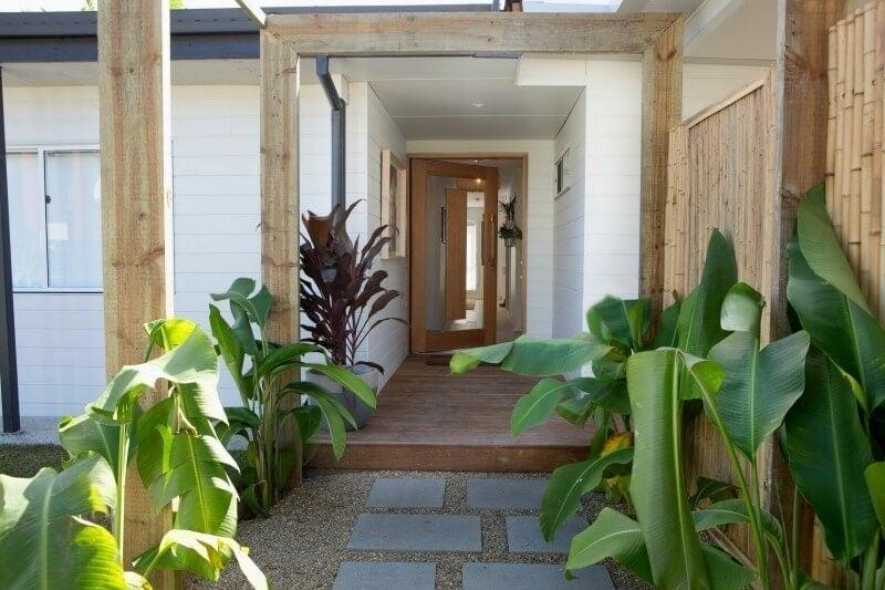 house rules 2017 aaron and daniella front door
