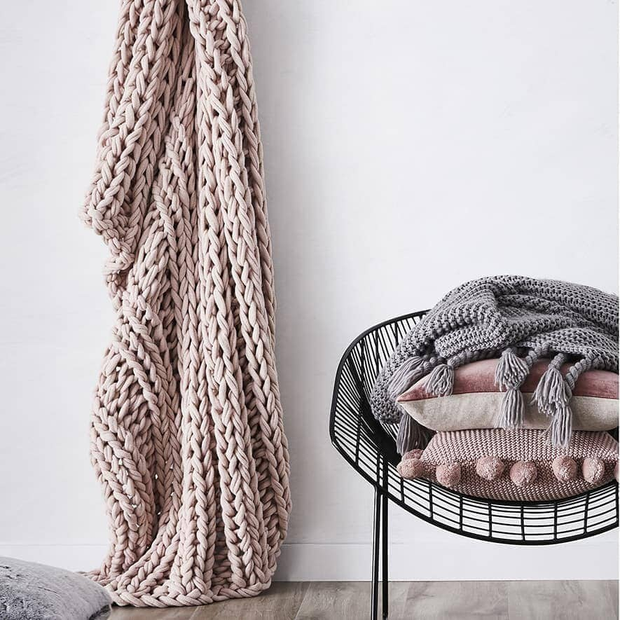 dusty pink chunky knit throw from adairs