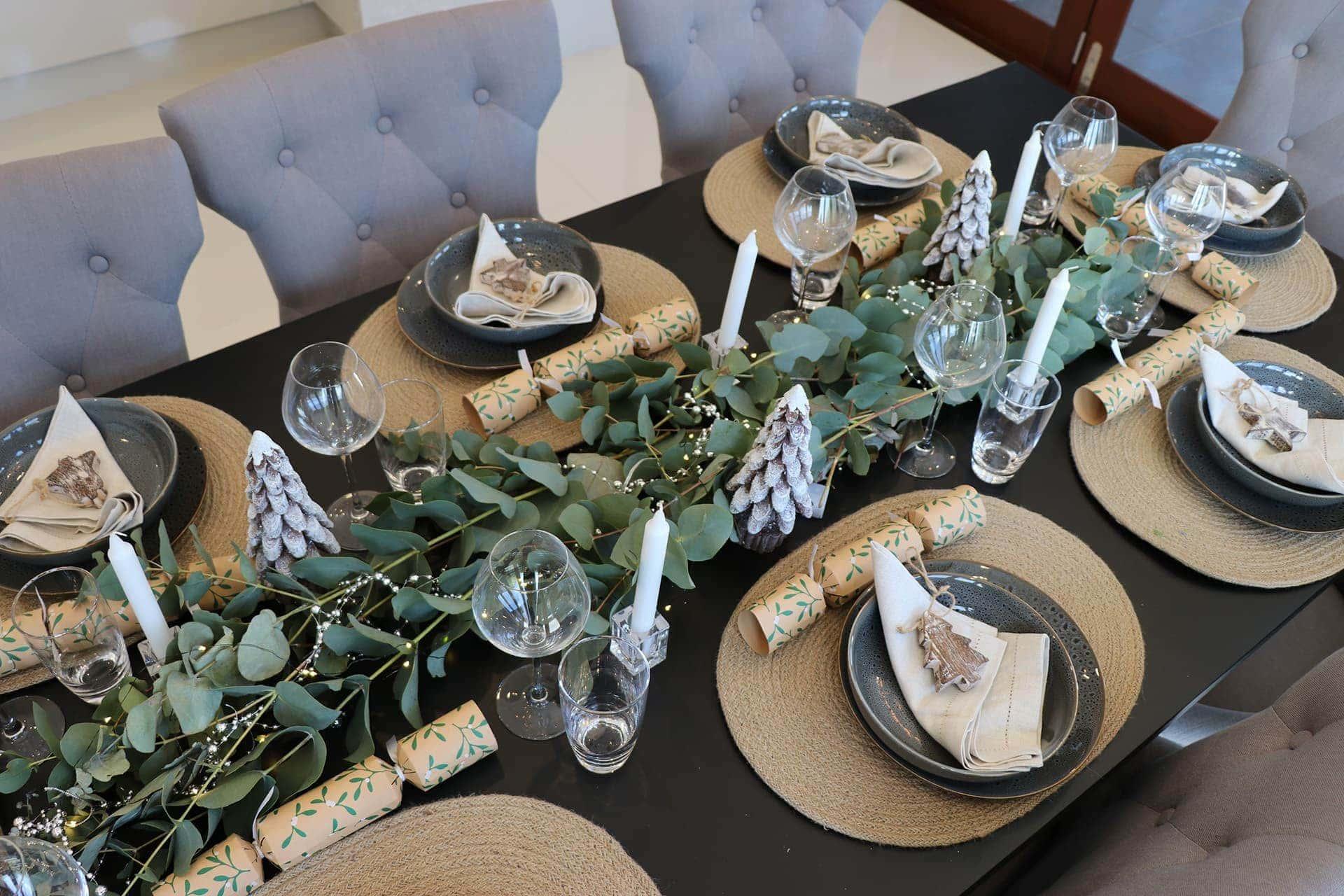 3 Easy Stylish Christmas Table Setting Ideas Tlc Interiors