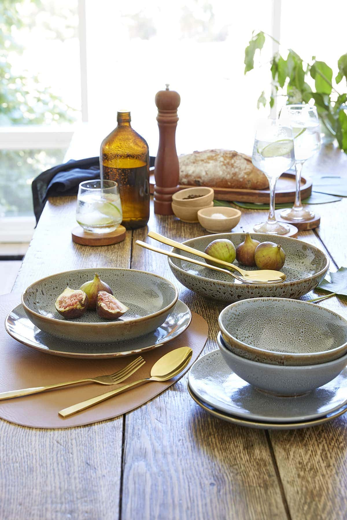 kmart speckled bowls and plates with gold cutlery