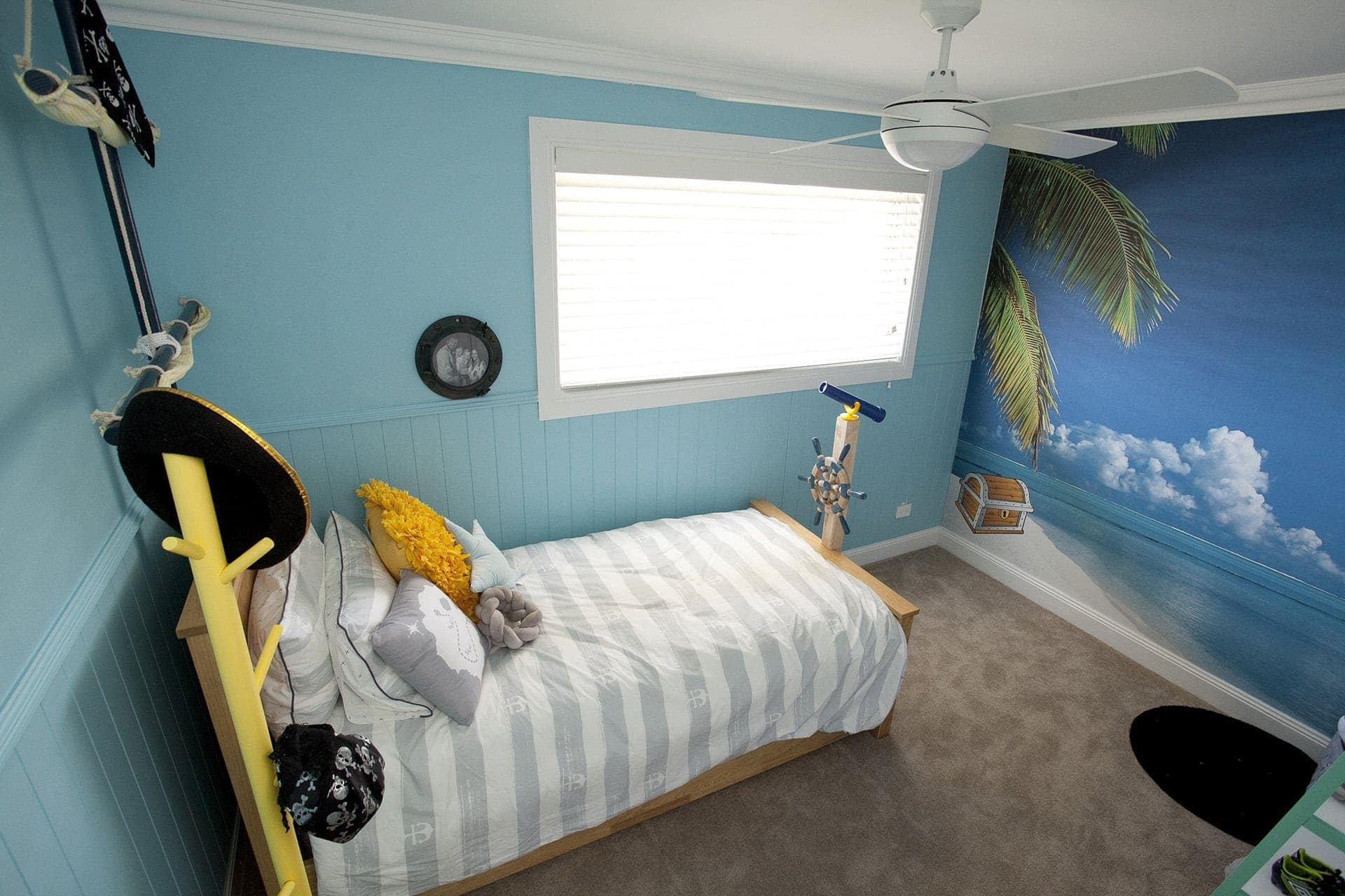house rules 2018 mel and dave kids bedroom with beach mural