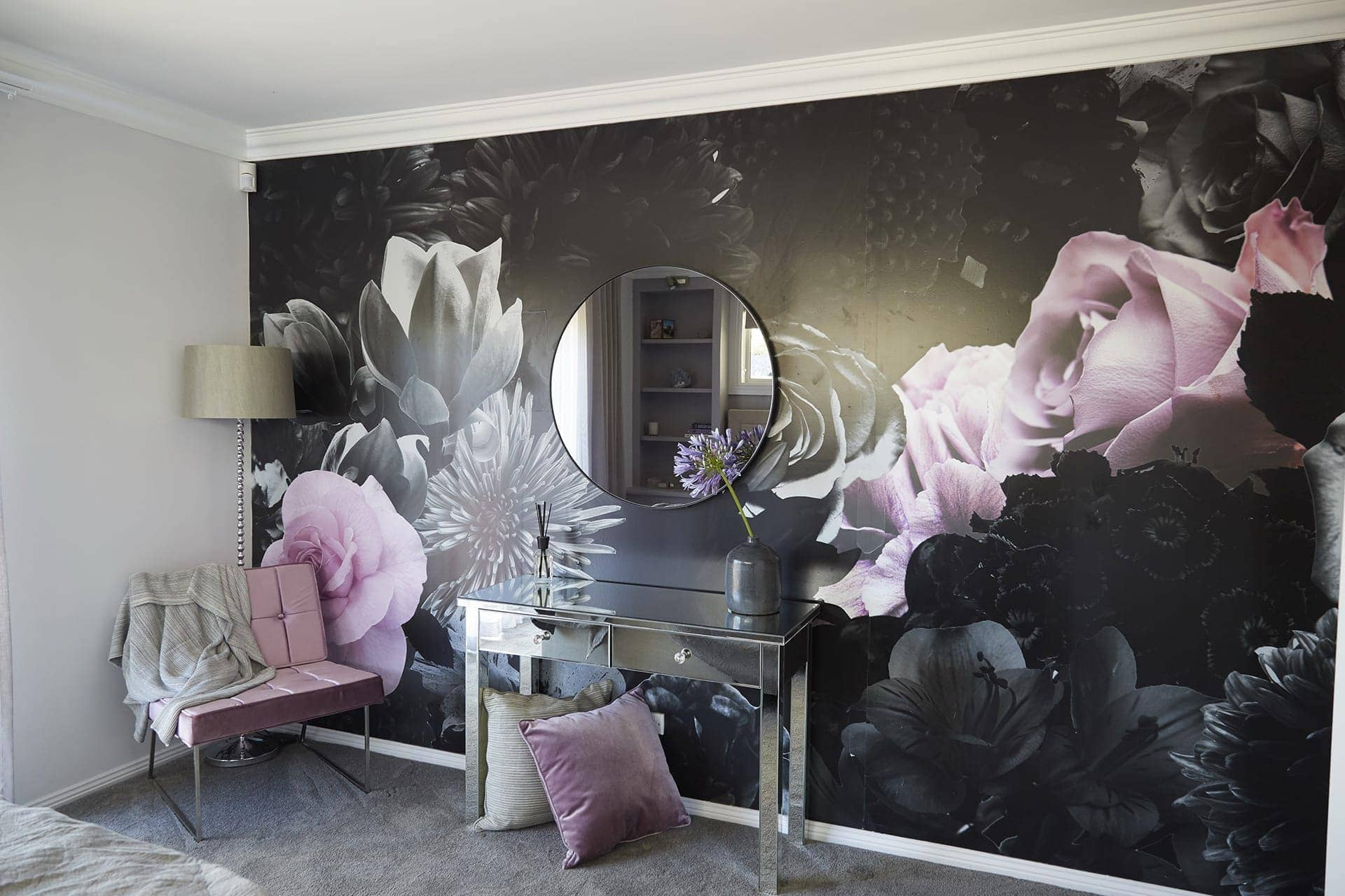 house rules 2018 kim and michelle dark floral wallpaper with pink roses