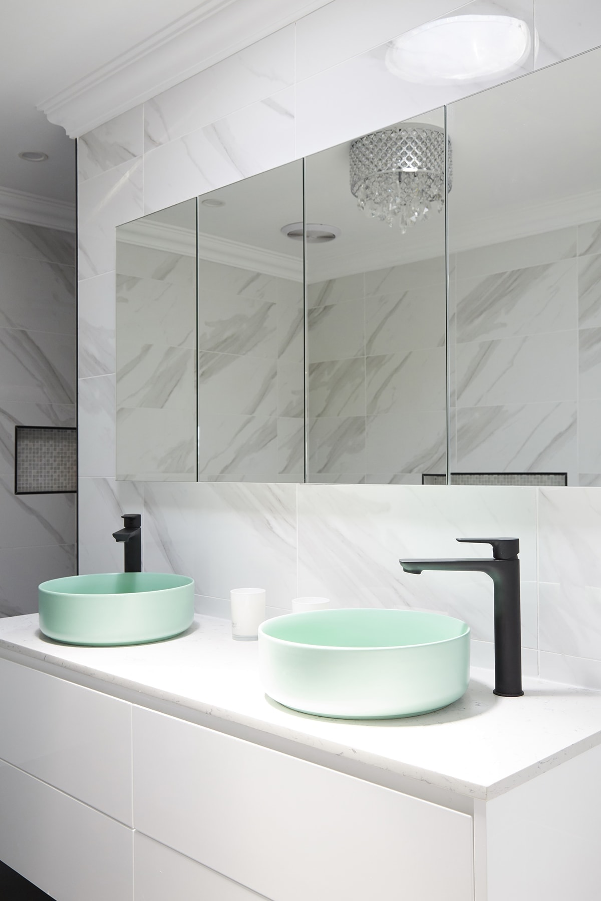 house rules 2018 kim and michelle marble bathroom with mint basin