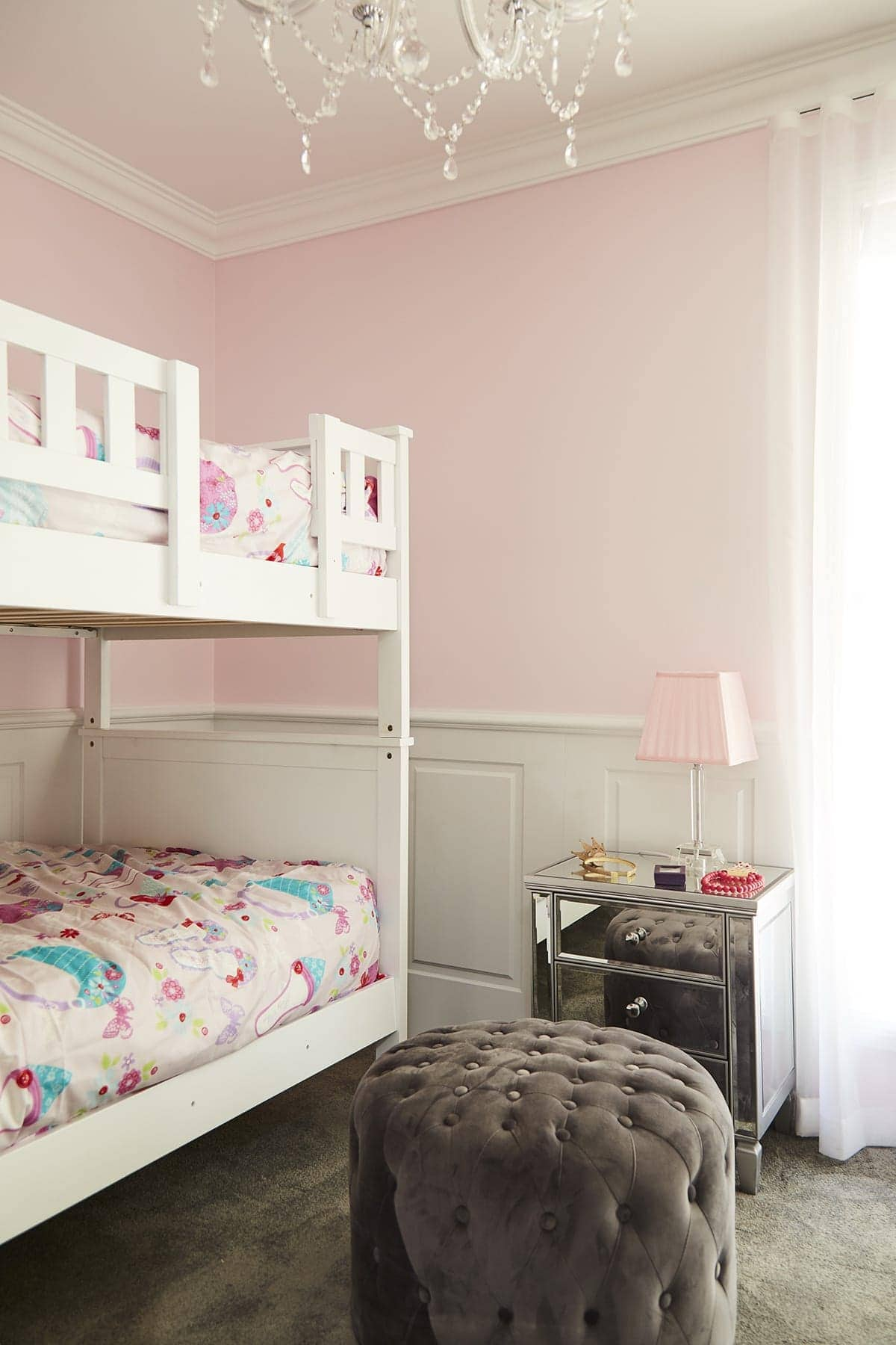 house rules 2018 kim and michelle pink girls room with chandelier
