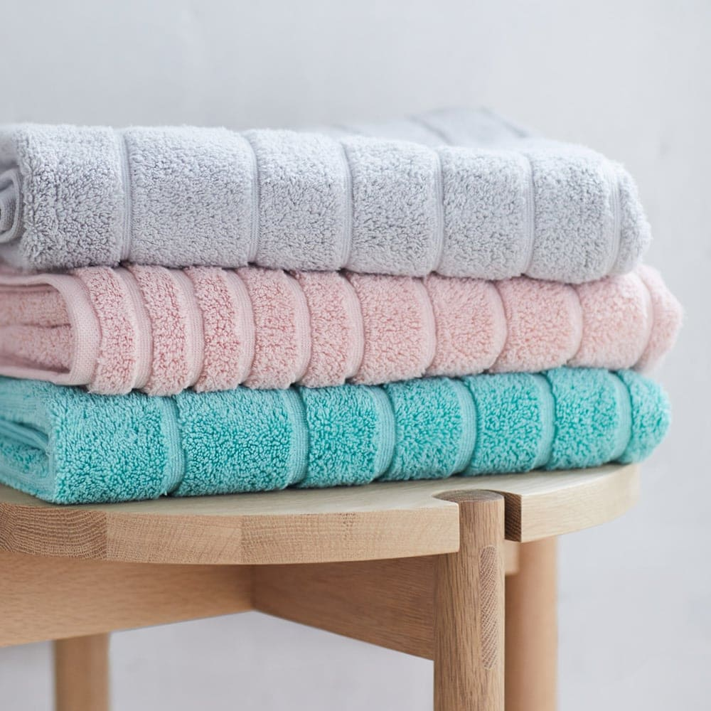 lorraine lea cooper towels in blush pink