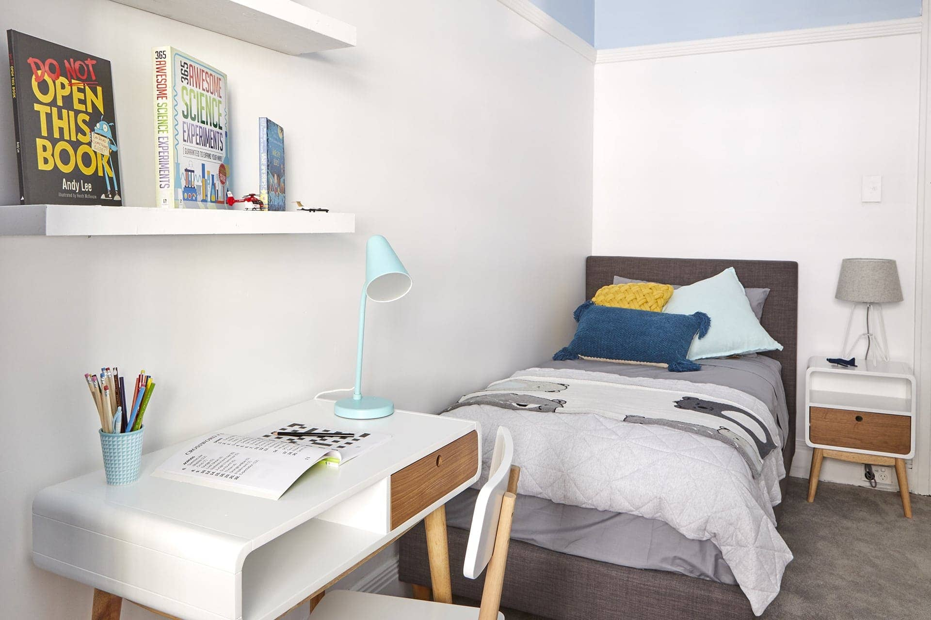 the block 2018 48 hour challenge courtney and hans boys bedroom