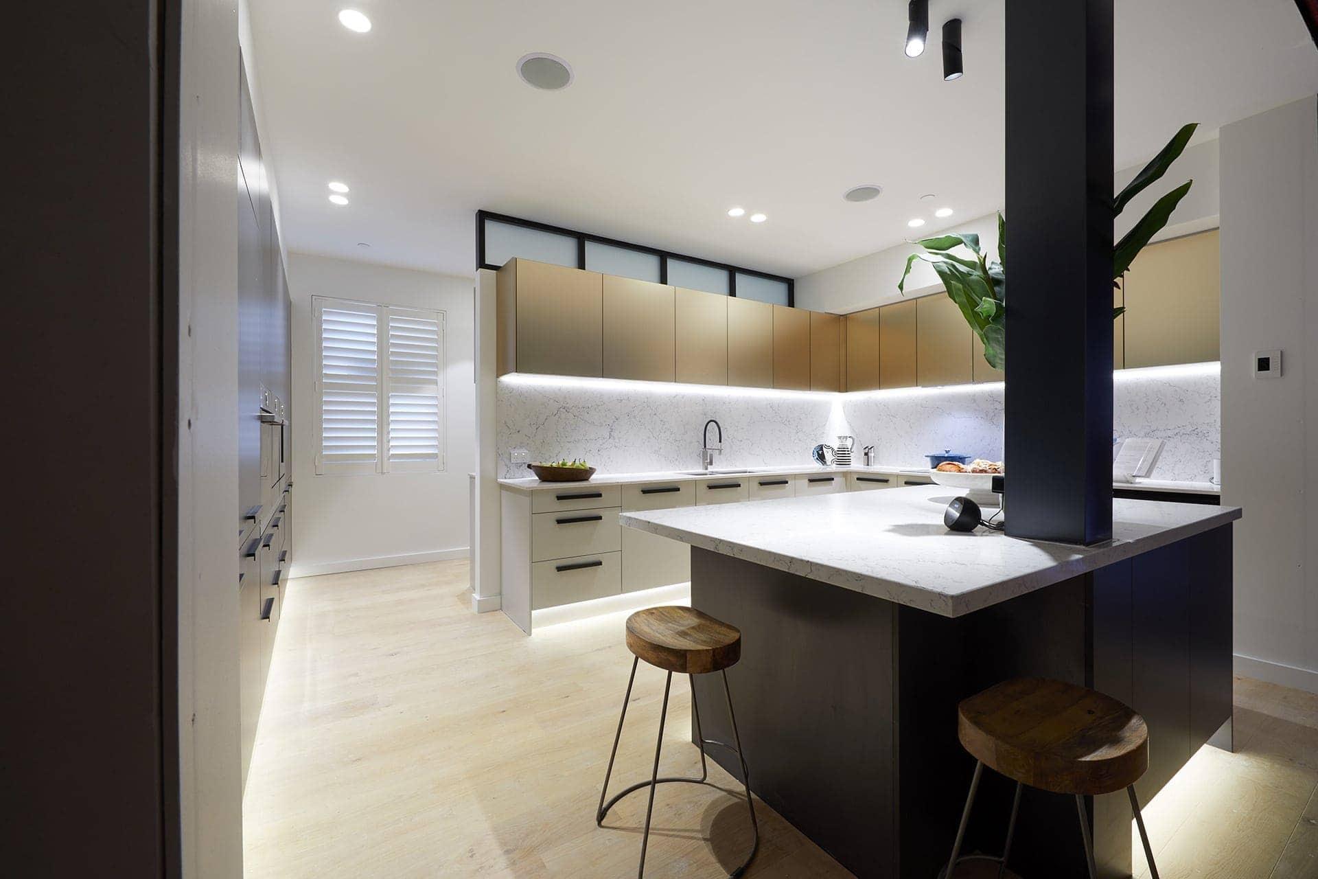 the block 2018 kitchens hans and courtney marble kitchen backsplash