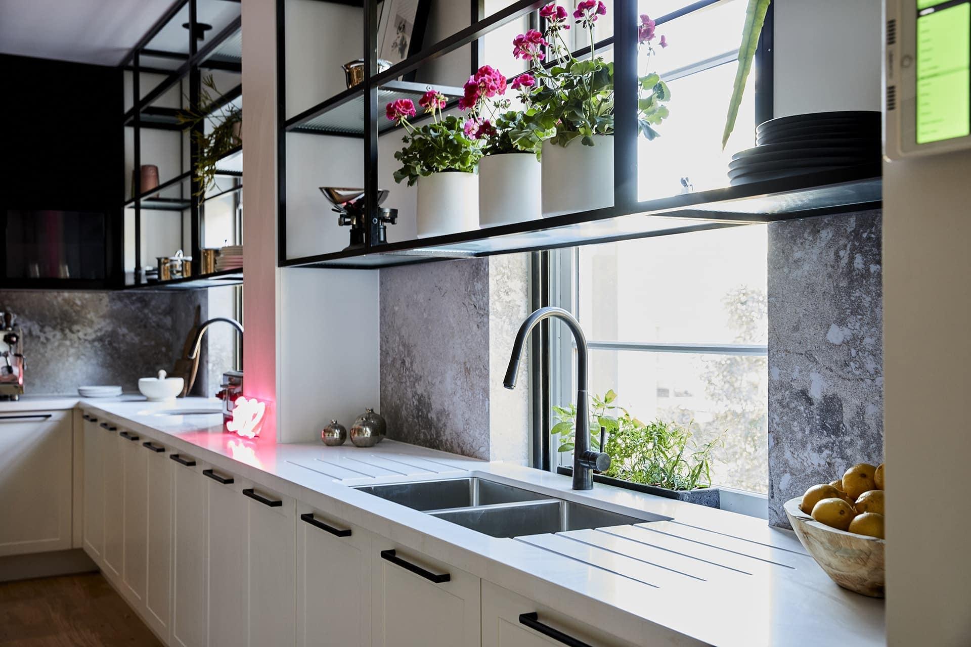 the block 2018 challenge apartment kitchen sink
