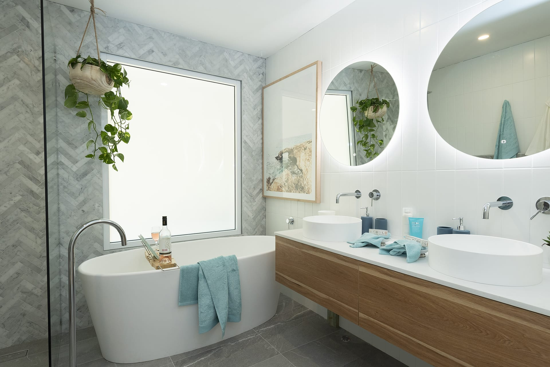 house rules 2019 eliza and mikaela bathroom with marble herringbone tiles